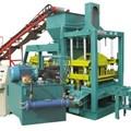 Máy sản xuất gạch bê tông QT4-15B