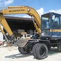 Máy xúc lốp KOMATSU PW60-3