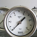 Đồng hồ áp suất Labom ống Bourdon( Áp kế cơ khí với ống Bourdon )