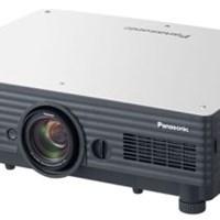 Máy chiếu Panasonic PT-D5600E