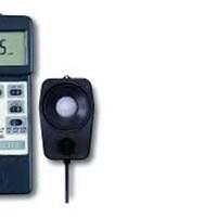 Máy đo cường độ ánh sáng Lutron LX-105