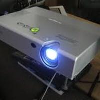 Máy chiếu Panasonic PT-LB20SEA
