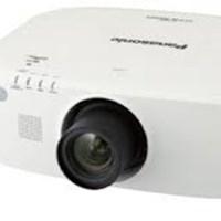 Máy chiếu Panasonic PT-EZ580E