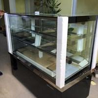 Tủ trưng bày bánh kính vuông Berjaya RCS15SB13-2FB