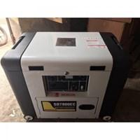 Máy phát điện chạy dầu Honda SD7800EC