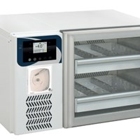 Tủ lạnh trữ máu Evermed BBR 110H xPRO